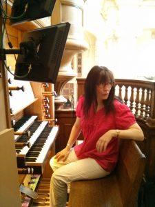 Isabelle à l'orgue de Pentemont